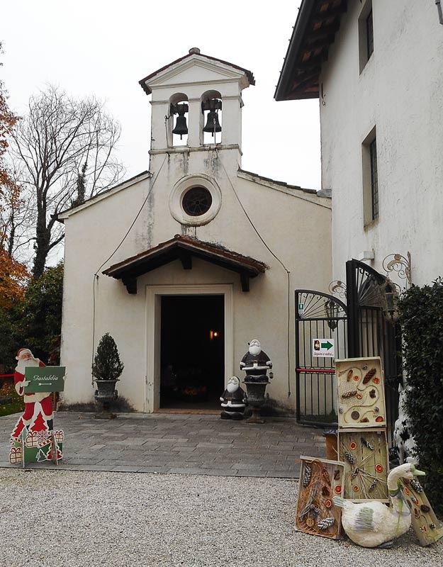 La cappella della villa