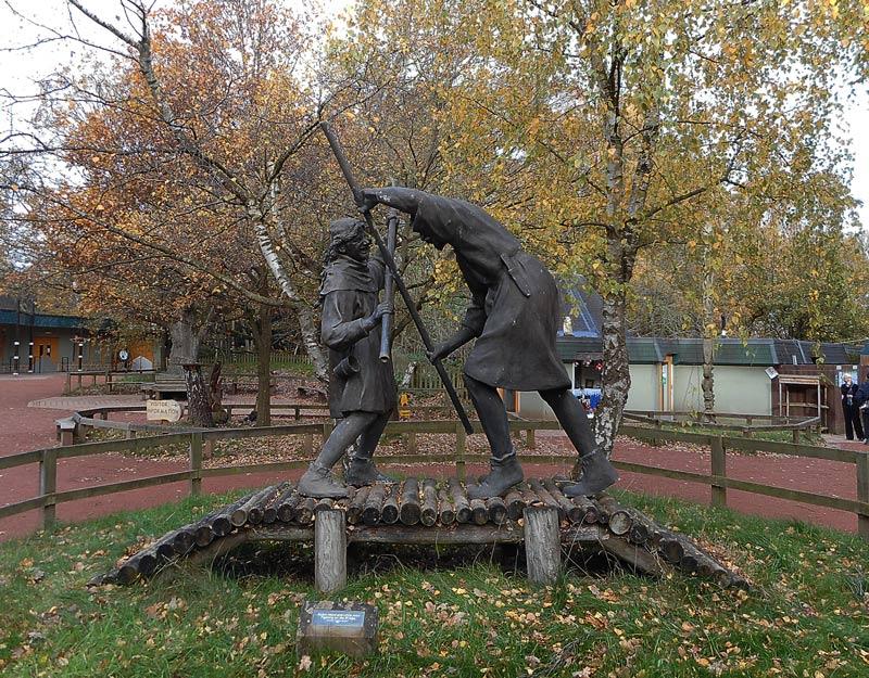 Robin Hood e Little John si allenano