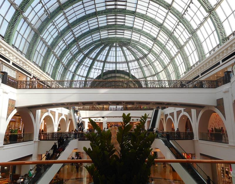 L'interno del Mall of Emirates