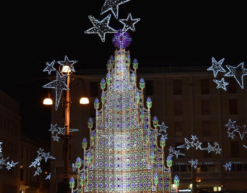 Albero di Natale in piazza Sant'Oronzo a Lecce