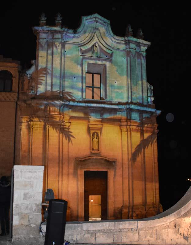 Proiezione sulla facciata di una chiesa a Matera