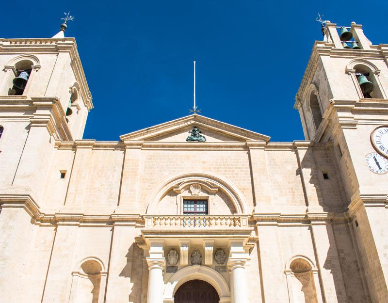 L'esterno della Cocattedrale di San Giovanni a La Valletta