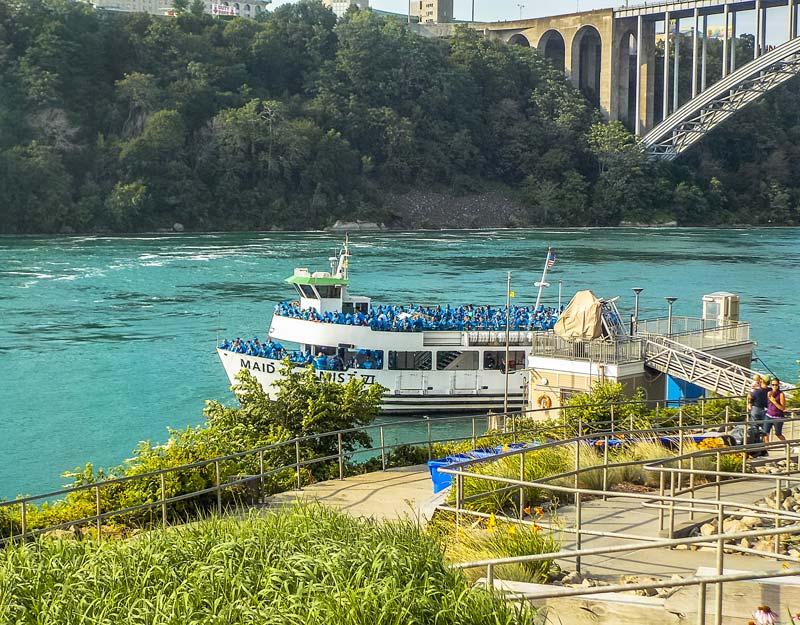 Il Maid of the Mist alle cascate del Niagara