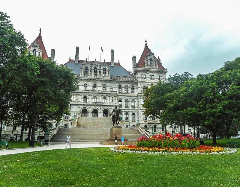 Cosa vedere in un on the road nello stato di New York: Albany State Capitol