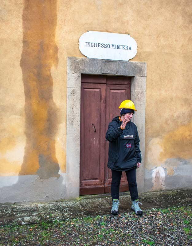 L'ingresso delle miniere di Montecatini