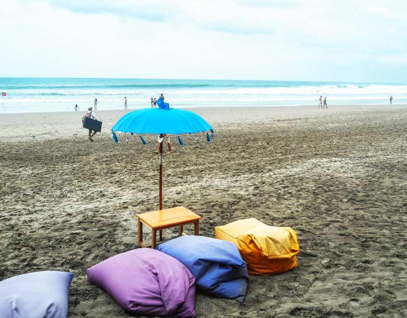 Pace sulla spiaggia di Seminyak