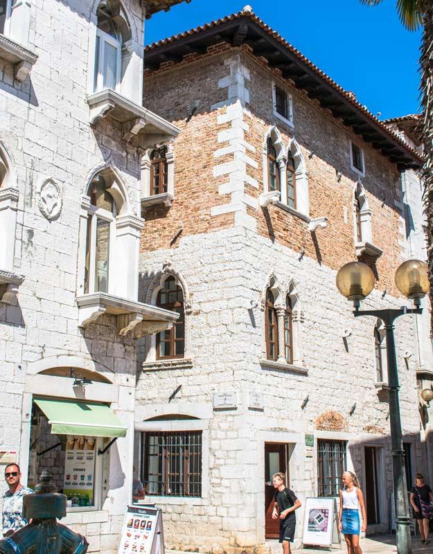 Palazzi veneziani a Parenzo