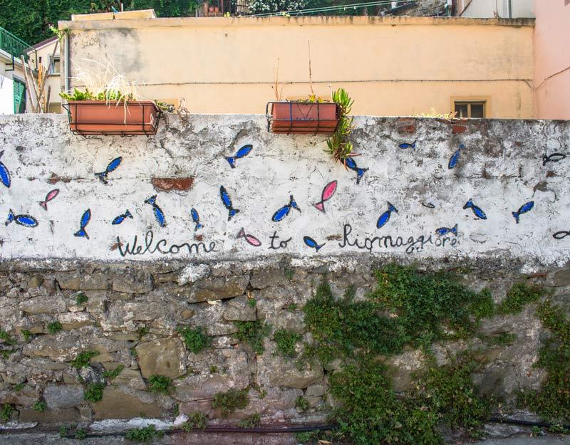 """La scritta """"Welcome to Riomaggiore"""""""