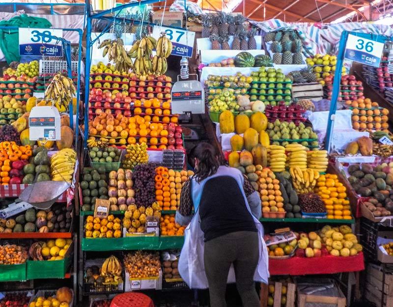Frutta al mercato San Camilo di Arequipa