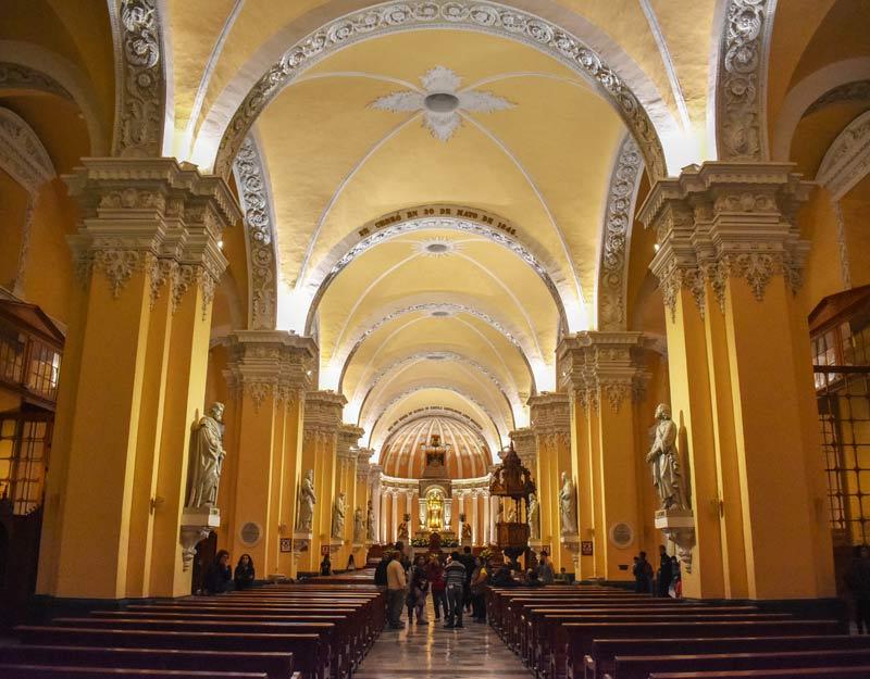 L'interno della cattedrale di Arequipa