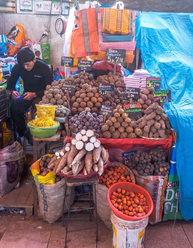 Patate al mercato San Camilo di Arequipa
