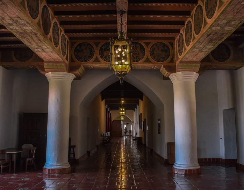 L'interno della County Courthouse di Santa Barbara