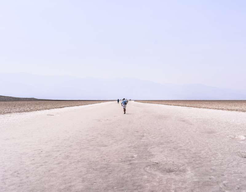 Il lago salato di Badwater nella Valle della Morte