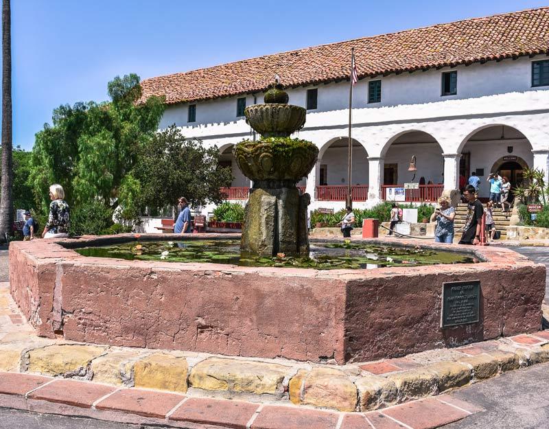 La Missione di Santa Barbara, California