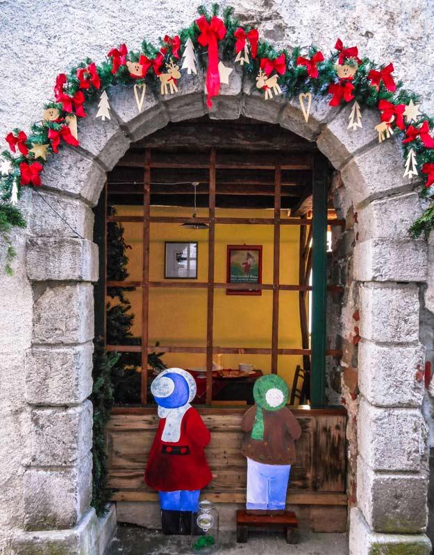 Natale in Friuli Venezia Giulia: ad Andreis nevica la fantasia