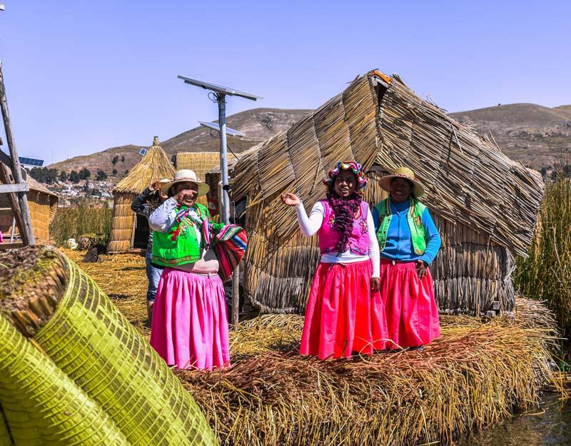 Donne delle isole Uros