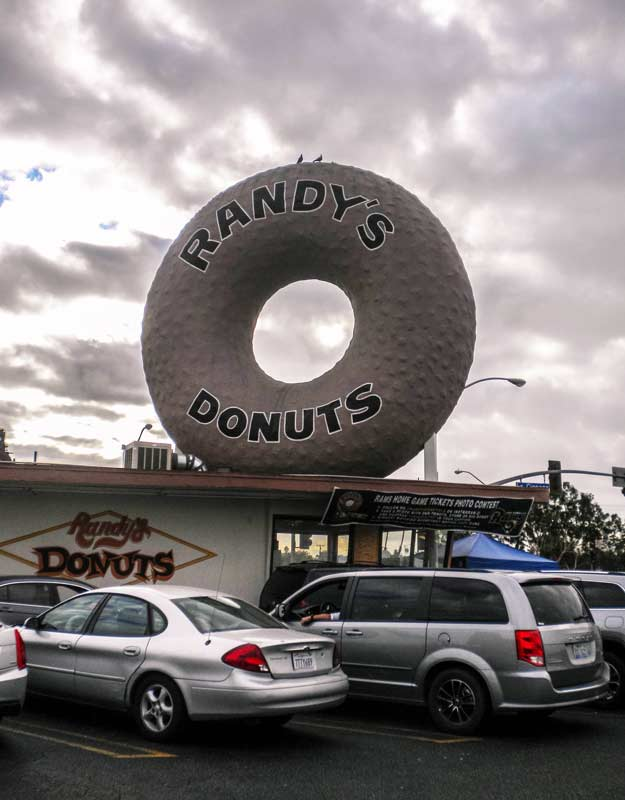 Mangiare dolci a Los Angeles: Randy's Donuts