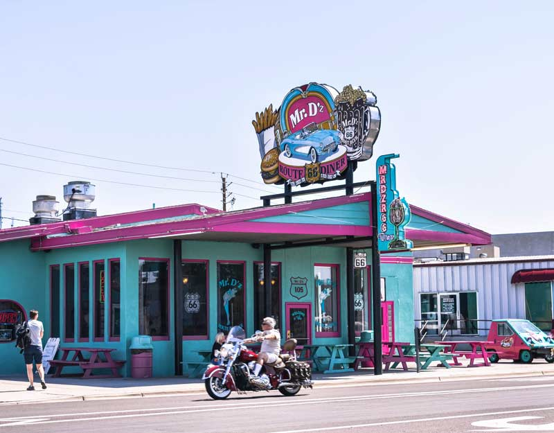 Percorrere la Route 66 in Arizona: Mr D'z Diner