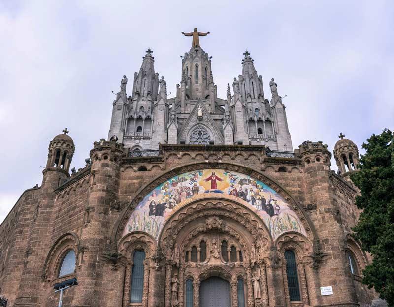 Chiesa sul Tibidabo a Barcellona