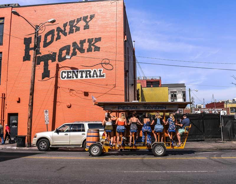 Pedal Tavern a Nashville