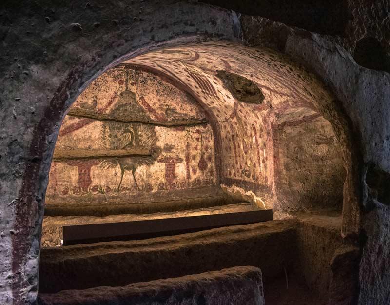 Visitare le catacombe di Napoli